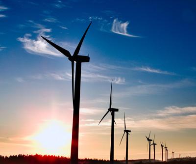 UK backs £315m renewable energy projects